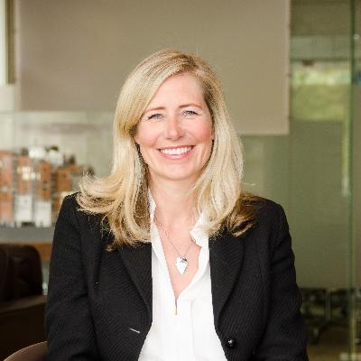 Picture of Lesley Cairns, CEO of Hamptons International