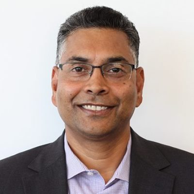 Headshot of Ravi Nookala, CEO of Tbooth wireless / La cabine T sans-fil