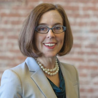 Picture of Governor Kate Brown, CEO of State of Oregon