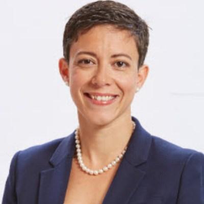 Headshot of Rania Llewellyn, CEO of Banque Laurentienne Groupe Financier