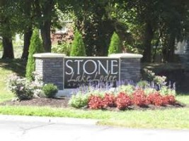 About Stone Lake Lodge Apartments