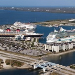ROYAL CARIBBEAN CRUISES AT PORT CANAVERAL