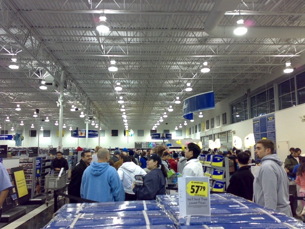 Black Friday lines (via tshein on Flickr)