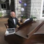 The Music Teachers Network photo: Playing at a wedding in Seattle