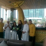 we gave a handmade cards to our Thai guests who stayed in the hotel and it was their first time