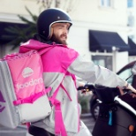 foodora GmbH photo: Delliver by scooter