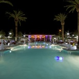 Thunder Valley Casino Resort photo: Shallow pool, perfect for enjoying a cold beverage