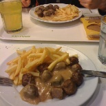 meatballs with chips and gravy