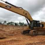Caterpillar photo: CAT 390