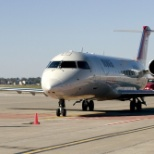 Marshalling in a Mesaba Airlines CRJ-200 from MSP