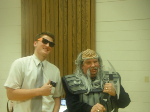 Missionary working with a Klingon