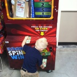 Heb buddy machine, kids have fun while parents do the shopping
