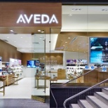 Collega Aveda photo: At Aveda you are a part of setting an example for environmental leadership.