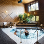 Hotel Hot Tub & Steam Room
